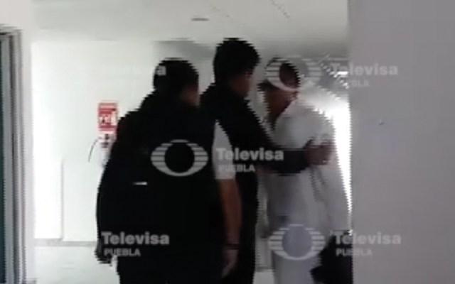 Profesora golpea a alumno en Puebla