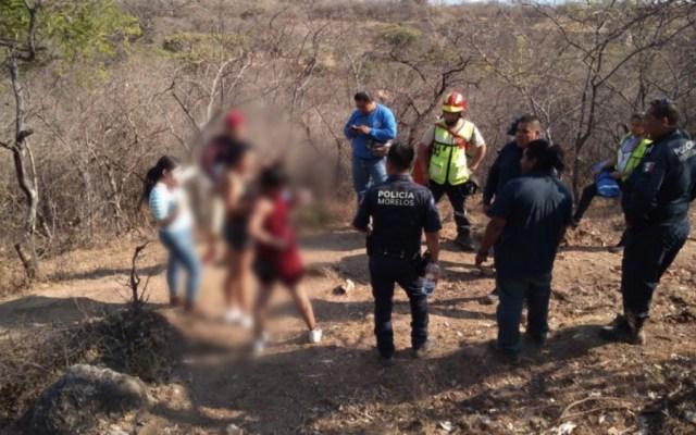 Policías de Morelos rescatan a personas extraviadas en Tepoztlán - Foto de @GobiernoMorelos