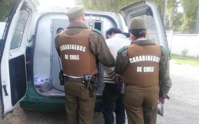 Heridos y detenidos dos ladrones que intentan robar a policía en retiro - policía chile
