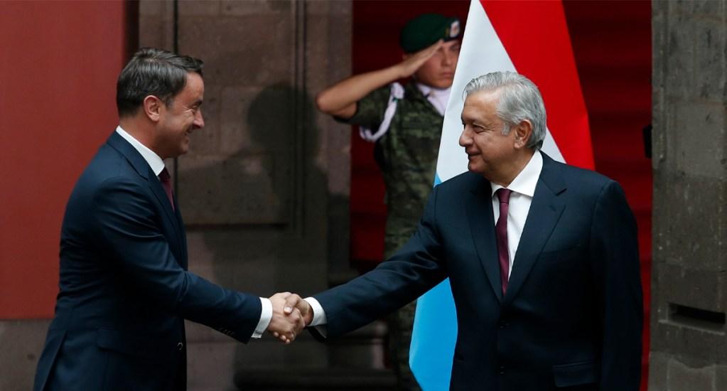 López Obrador recibe al Primer Ministro de Luxemburgo - El presidente López Obrador recibió en Palacio Nacional al primer ministro Xavier Bettel, con quien sostiene un encuentro privado. Foto de Notimex