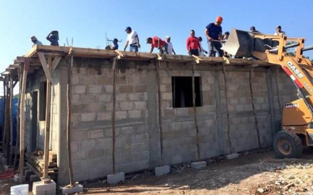 Invertirán cuatro mil 700 mdp en reconstrucción por sismos en Oaxaca - Reconstrucción de escuela en Oaxaca. Foto de Grupo En Concreto