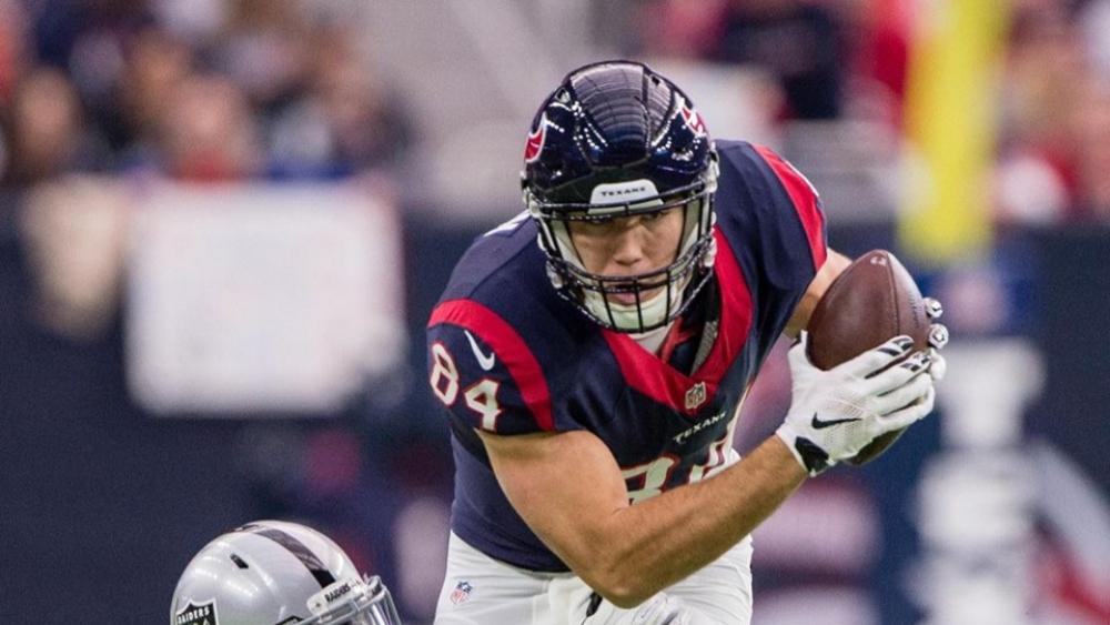 Arrestan a jugador de la NFL por vandalismo - Ryan Griffin texans