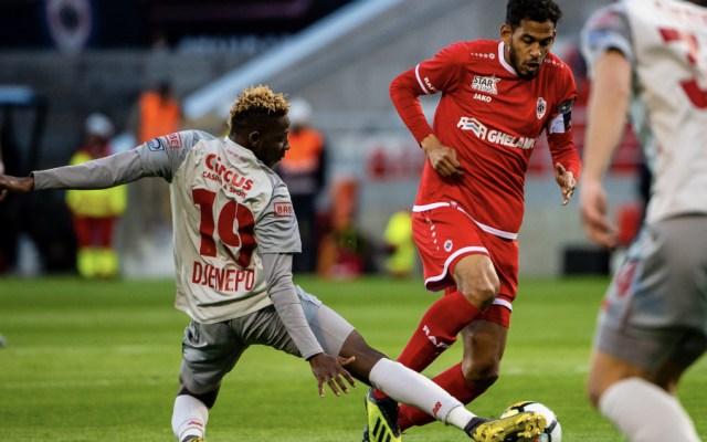 Royal Antwerp y Omar Govea superan al Standard de Guillermo Ochoa - Foto de @Standard_RSCL