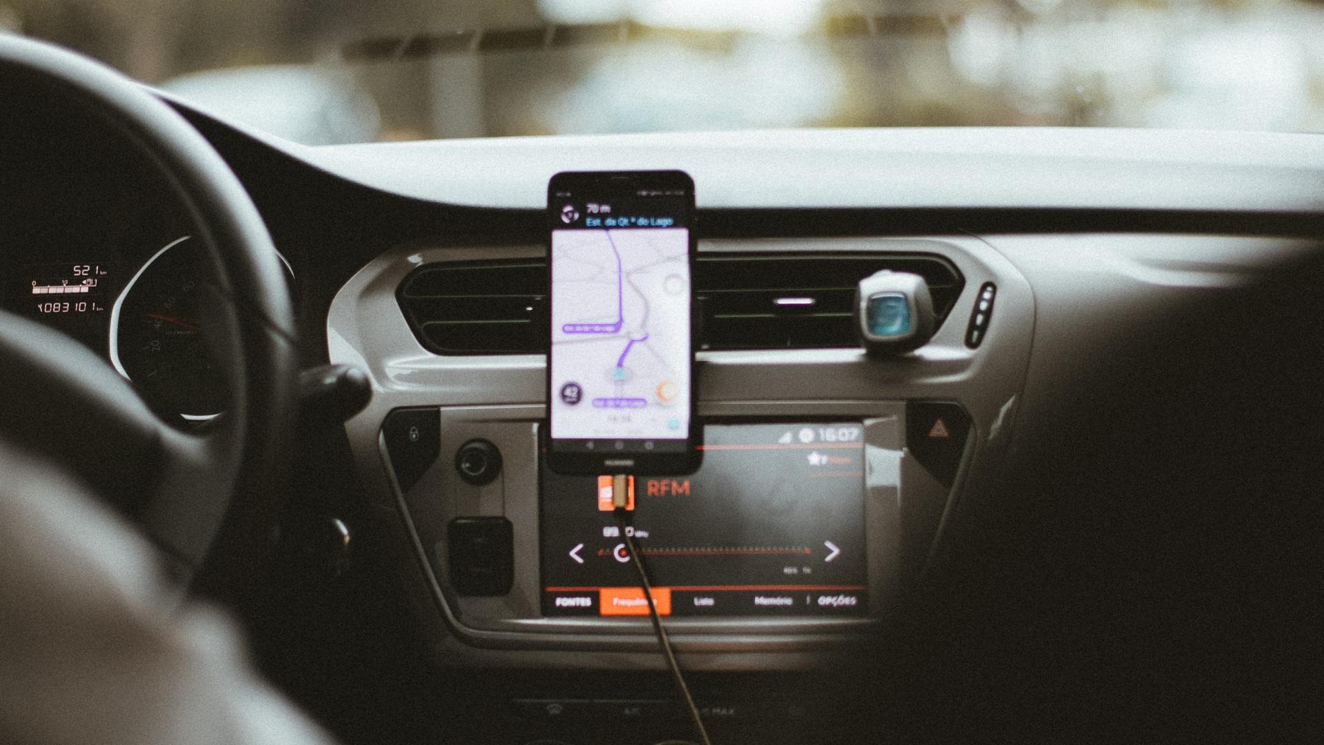 Taxi por aplicación. Foto de Humphrey Muleba / Unsplash