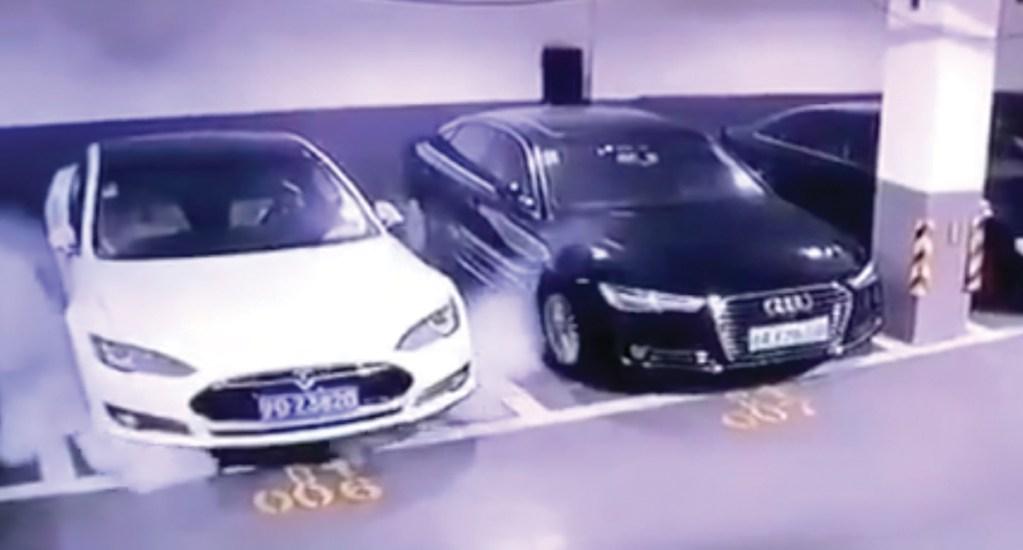 #Video Tesla se incendia en estacionamiento en China - Tesla Model S
