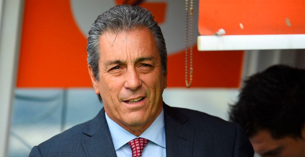 Tomás Boy nuevo director técnico de Chivas - Tomás Boy, nuevo técnico de Chivas.