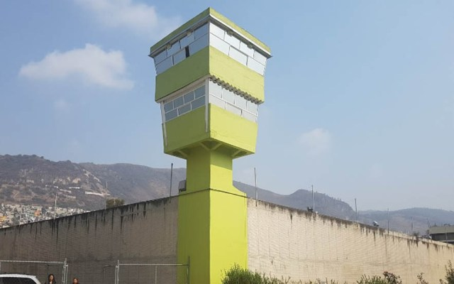 Detectan autogobierno en reclusorios varoniles Norte y Oriente - Torre del reclusorio norte. Foto de Macs Cantero / Google Maps