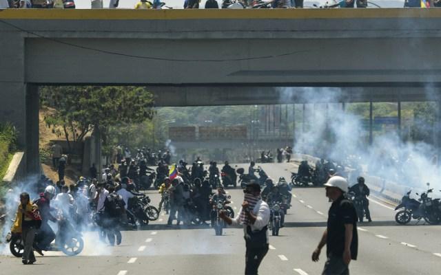 Militar de Maduro resulta herido en enfrentamiento contra opositores - Venezuela