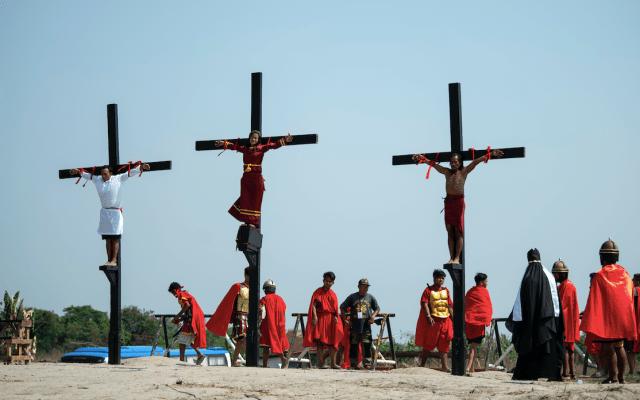 Realizan viacrucis en Filipinas - Foto de AFP