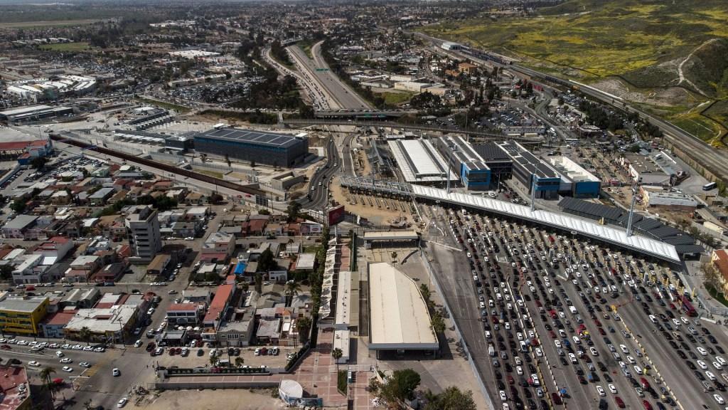 PAN urge al Gobierno 'actuar a la altura' de las amenazas de Trump - Vista aérea de la frontera México-EE.UU. Foto de AFP / Guillermo Arias