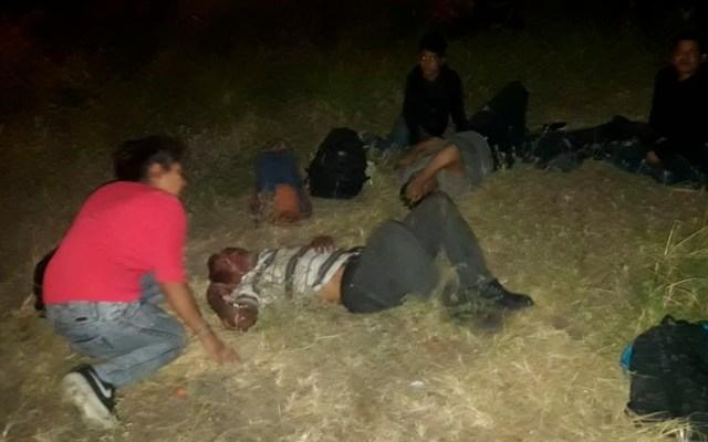 Volcadura de tráiler deja 19 migrantes heridos en Veracruz - Foto de @RubenFigueroaDH