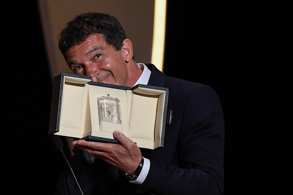 Antonio Banderas es galardonado como mejor actor en Cannes - Foto de AFP.