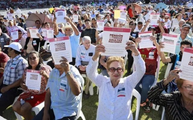 AMLO celebra reforma para elevar a rango constitucional programas sociales - Foto de @bienestarmx
