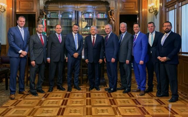 Comisionado de MLB visita al presidente López Obrador - Foto de Notimex