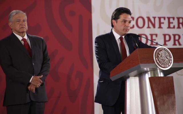 Zoé Robledo será el nuevo director del IMSS - Zoé Robledo con Andrés Manuel López Obrador. Foto de @zoerobledo