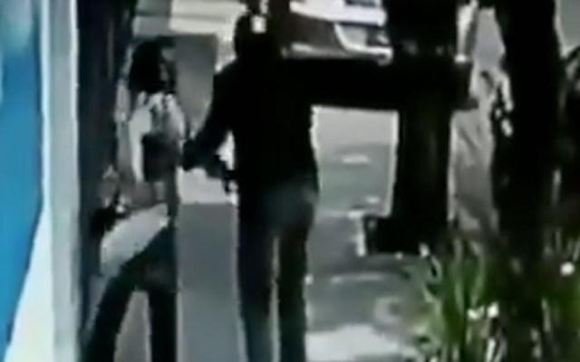 #Video Mujer de la tercera edad se resiste a asalto y huye en la GAM - robo