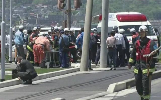 Conductor embiste a niños de kínder y mueren dos en Japón - Autoridades atendiendo atropello de niños de kinder. Foto de NHK