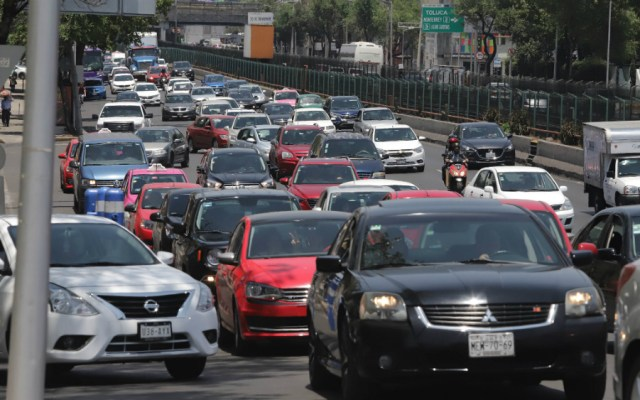 Los vehículos que no circularán este viernes 17 de mayo - Foto de Notimex