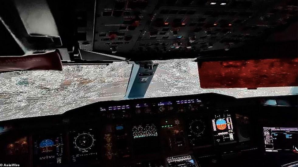 Granizo casi destroza parabrisas de avión en China - avión parabrisas granizo