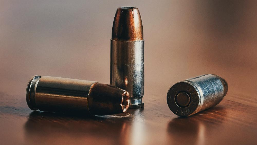 Agreden a balazos a familia en la CDMX; hay una mujer muerta - Fotografía de archivo de balas