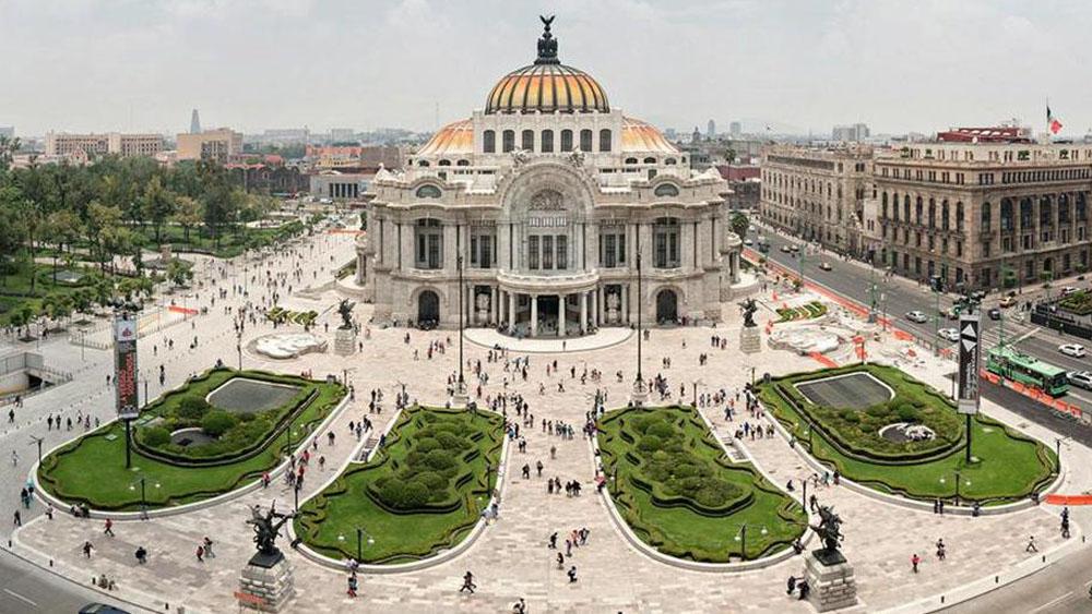 Utilizan Bellas Artes para homenajear a líder religioso