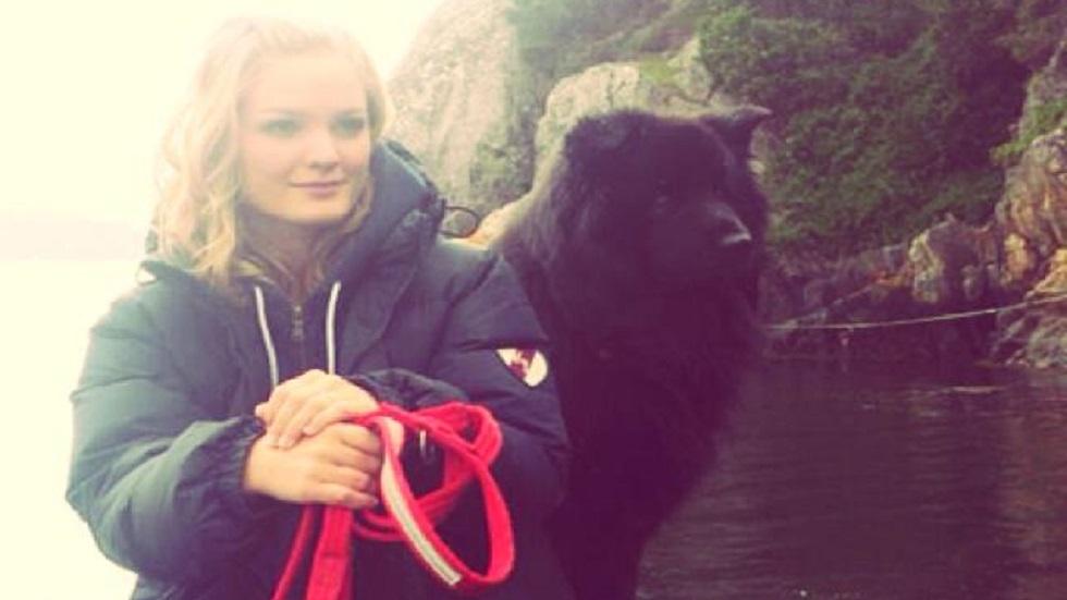Una joven murió infectada por rabia después de rescatar a un cachorrito
