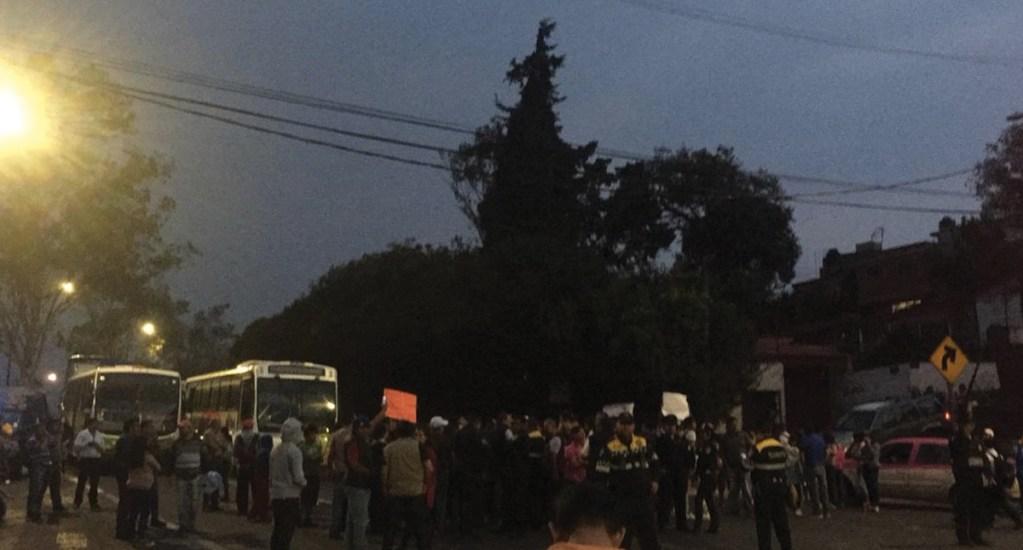 Bloquean por dos horas la carretera libre a Cuernavaca por falta de agua - Foto de El Diario de Morelos