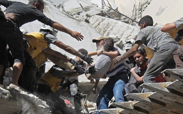Bombardeos contra bastión yihadista en Siria deja 27 civiles muertos - bombardeos siria muertos