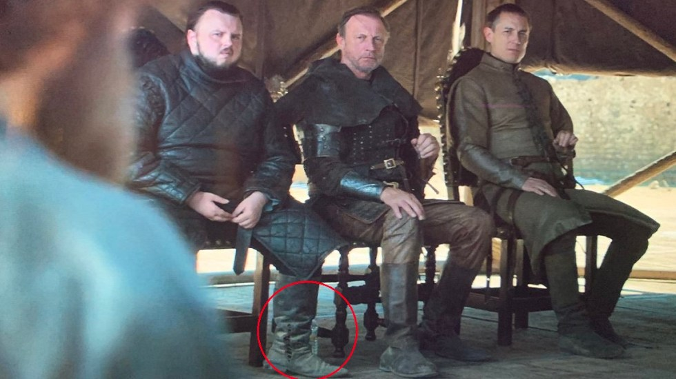 #Video Botella de agua opaca final de Game of Thrones - Botella de agua en GoT. Foto de @lowkeyloki92