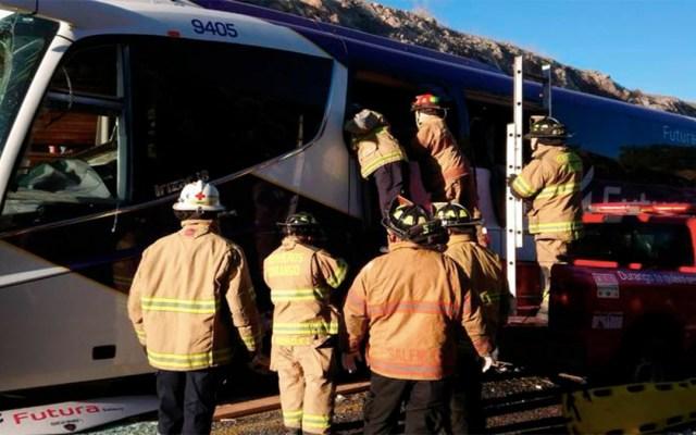 Mueren cinco personas en accidente carretero en Durango - choque autobús durango muertos