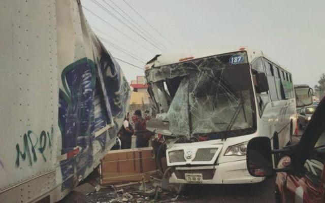 Choque de autobús y tráiler en la México-Querétaro deja 15 lesionados - choque autobús tráiler méxico-querétaro