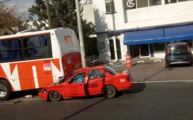 #Video Muere taxista tras choque contra camión - choque taxista Tequisquiapan