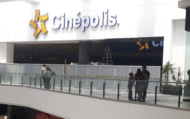 #Video Lluvias provocan colapso de techo en cine de Tampico - Foto de Reporte Noreste