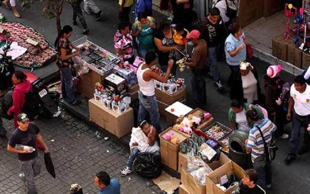 Aumenta informalidad laboral en México - Comercio informal. Foto de econsulta