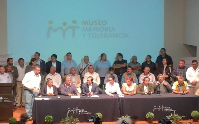 Renuncian al PRD 250 militantes de 102 municipios del Edomex - Conferencia de Juan Hugo de la Rosa sobre su renuncia al PRD. Foto de @trespm