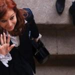 Autorizan a Cristina Fernández no asistir a próxima audiencia - Foto de AFP