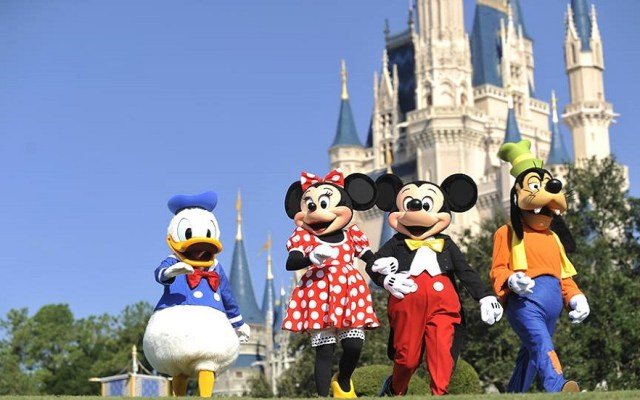 Arrestan a bisabuela en Disney World por portar aceite con cannabidiol - Disney World. Foto de @WaltDisneyWorld