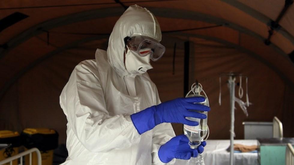 Ébola suma más de mil víctimas en la República Democrática del Congo - Ebola doctor OMS