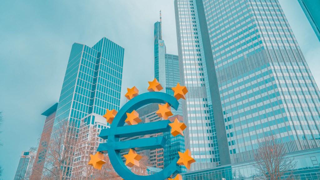 Fuerzas euroescépticas ganan terreno en la Unión Europea - Euro. Foto de Maryna Yazbeck / Unsplash