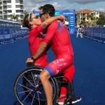 Triatleta paralímpica recibe propuesta de matrimonio en el podium - Eva y Ángel celebrando el Día del Amor y la Amistad. Foto de @evamoral82