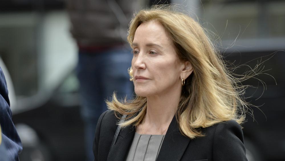 Actriz Felicity Huffman se declara culpable - Foto de AFP