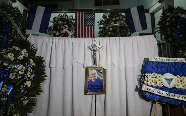 Realizan funeral de opositor con fuerte presencia policiaca en Nicaragua - Funeral del opositor Eddy Montes de Nicaragua. Foto de AFP / Inti Ocon