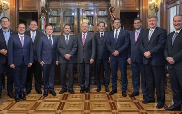 López Obrador se reúne con gobernadores panistas - Foto de Twitter Francisco Cabeza de Vaca