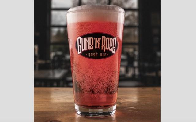 "Guns N' Roses demanda a cervecería por ""daño irreparable"" a su nombre - Foto de @oskarblues"