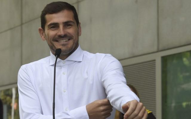 """Iker Casillas tras salir del hospital: """"Está todo bien y en paz"""" - Iker Casillas agradece muestras de aprecio de los fans"""