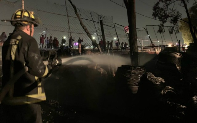 Sofocan incendio en bodega de Ecatepec - Foto de Gobierno de Ecatepec de Morelos