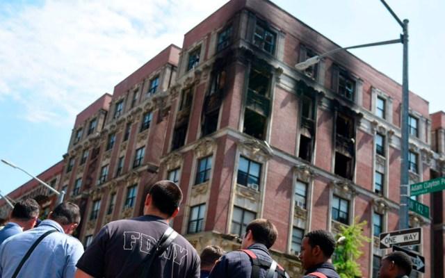 Familia muere durante incendio en NuevaYork - Familia incendio departamentos nueva york