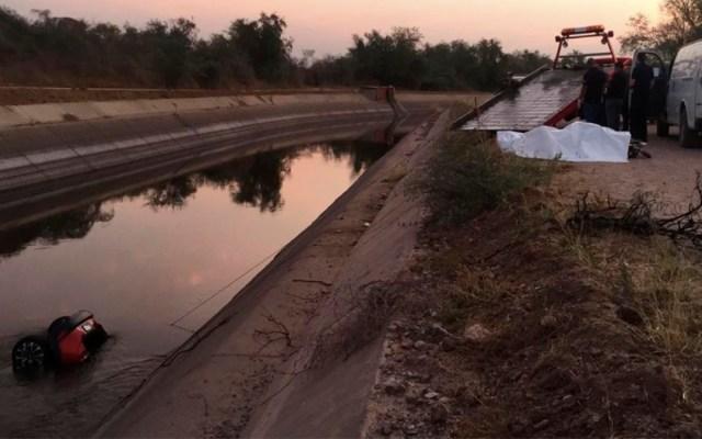 Hallan restos de jóvenes en camioneta hundida en canal de Culiacán - jóvenes canal camioneta culiacán