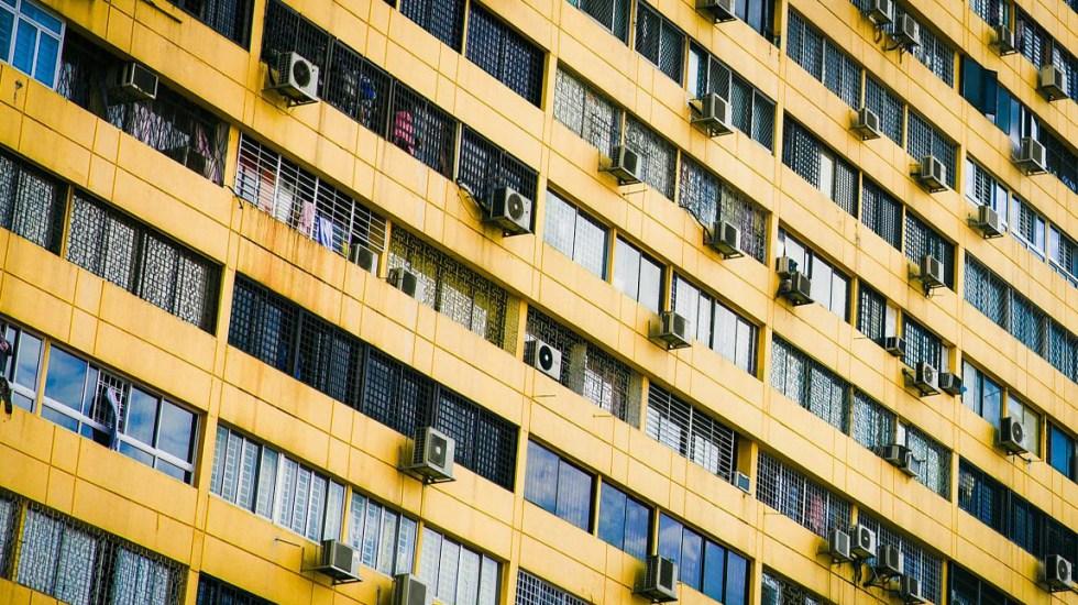 Estudio predice el calentamiento de regiones urbanas antes de 2100 - La ONU llama a encontrar soluciones innovadoras para reducir el uso de aires acondicionadores que irónicamente aumentan el calentamiento global. Foto de Isaac Benhesen / Unsplash