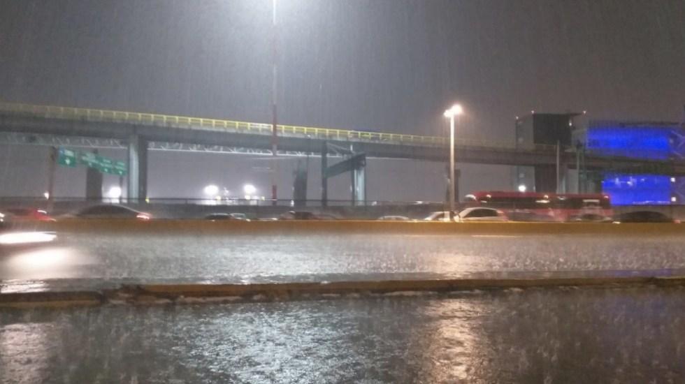 AICM suspende operaciones por 15 minutos a causa de la lluvia - Foto de @SkyAlertStorm